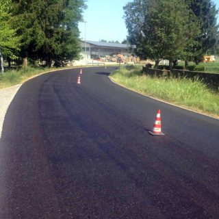 Slurry sealing a dangerous bend for road safety - Slurry Srl